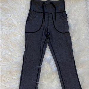 Black and grey lulu skinny wills!! Legging/pant